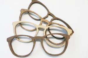 Montures de lunettes bois