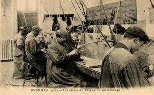Photo historique de travailleurs dans l'industrie de la lunetterie